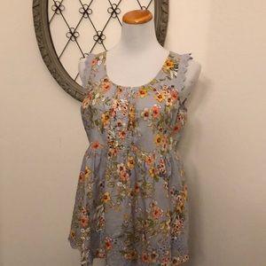 Lauren Conrad gray floral sleeveless blouse m